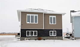 70 Crescentwood Drive, Steinbach, MB, R5G 2P9