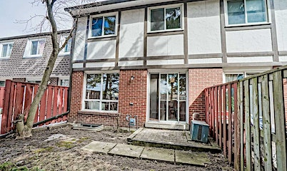 44 Farm Greenway, Toronto, ON, M3A 3M2