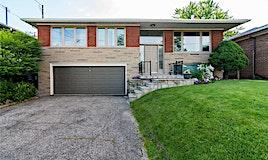7 Bowerbank Drive, Toronto, ON, M2M 1Z9