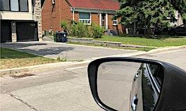 82 Laurelcrest Avenue, Toronto, ON, M3H 2A9