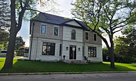 386 Cannought Avenue N, Toronto, ON, M2R 2M2