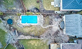 8 Moonstone Drive, Whitby, ON, L1P 1L5