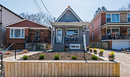 13 Wallington Avenue, Toronto, ON, M4C 2M7