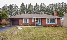 220 Kathryn Crescent, Newmarket, ON, L3Y 1M1