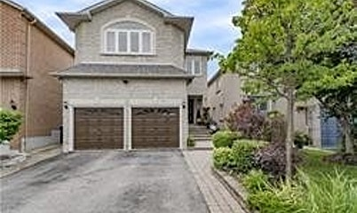 5382 Bellows Avenue, Mississauga, ON, L5R 3Y7