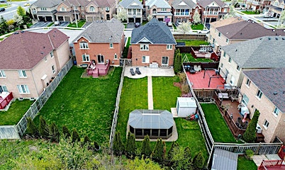 4 Signet Court, Brampton, ON, L7A 2V2