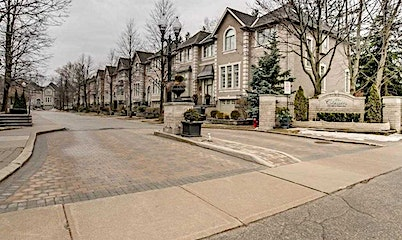 35-193 La Rose Avenue, Toronto, ON, M9P 3W1