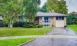 5 Vicarage Court, Toronto, ON, M9R 2H7