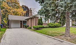 10 Deanewood Crescent, Toronto, ON, M9B 3B1