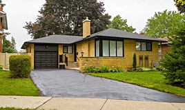 15 Deanefield Crescent, Toronto, ON, M9B 3B2