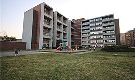 225-2121 Roche Court, Mississauga, ON, L5K 2C7