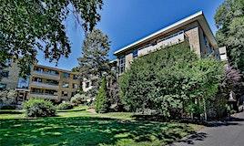 15-8 Corinth Gardens, Toronto, ON, M4P 2N5