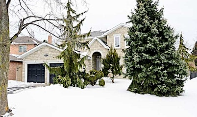 48 Greenbush Place, Whitby, ON, L1R 1T6