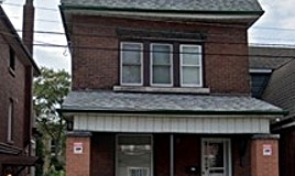 10 Senator Avenue, Hamilton, ON, L8L 1Z4