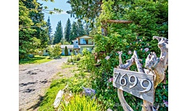 7699 Ships Point Road, Union Bay, BC