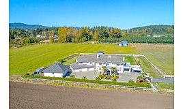7112 Puckle Road, Central Saanich, BC, V8M 1W4