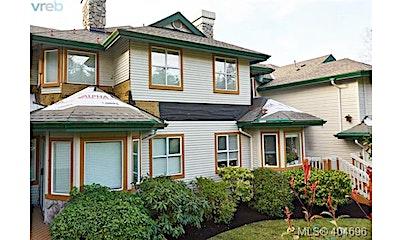 102-530 Marsett Place, Saanich, BC, V8Z 7J2