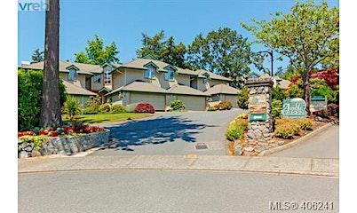 7-520 Marsett Place, Saanich, BC, V8Z 7J1