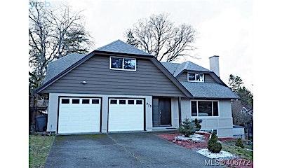 970 Landeen Place, Saanich, BC, V8X 3Z3