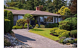 3770 Cadboro Bay Road, Oak Bay, BC, V8P 5E3