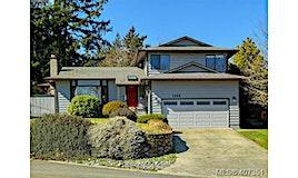 1135 Mcbriar Avenue, Saanich, BC, V8X 3M7