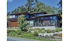 2952 Tudor Avenue, Saanich, BC, V8N 1M1