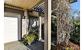 9-4300 Stoneywood Lane, Saanich, BC, V8X 5A5