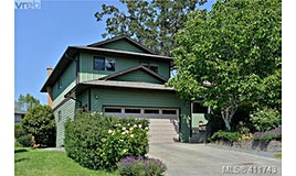 4215 Leaf Hill Green, Saanich, BC, V8X 4X8