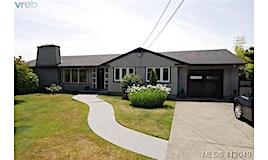2351 Lansdowne Road, Oak Bay, BC, V8P 1B9
