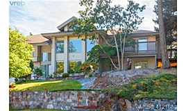 941 Bearwood Lane, Saanich, BC, V8Y 3G1