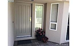 7-881 Nicholson Street, Saanich, BC, V8X 5C5