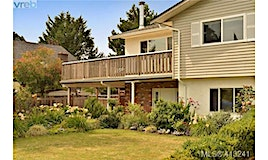 1250 Knute Way, Central Saanich, BC, V8M 1G4