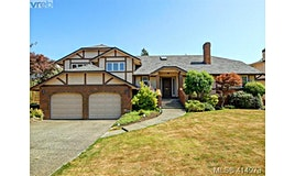 3340 University Woods, Oak Bay, BC, V8P 5R1