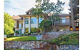 941 Bearwood Lane, Saanich, BC, V8Y 3G1