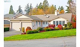 828 Royal Wood Place, Saanich, BC, V8Y 3C2