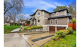 785 Hampshire Road, Oak Bay, BC, V8S 4S3