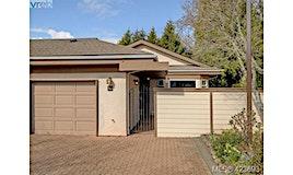 53-901 Kentwood Lane, Saanich, BC, V8Y 2Y9