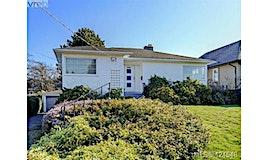 905 Lawndale Avenue, Victoria, BC, V8S 4C9