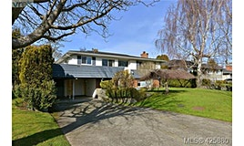 1682 Warren Gardens, Victoria, BC, V8S 1T1