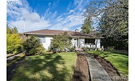 3880 Finnerty Road, Saanich, BC, V8N 4A2