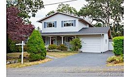 3564 Redwood Avenue, Oak Bay, BC, V8P 4Z7